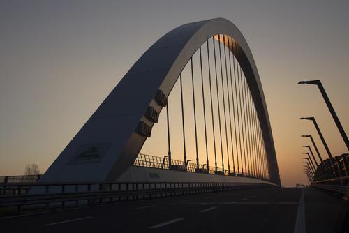 Bridge shutterstock_398555221