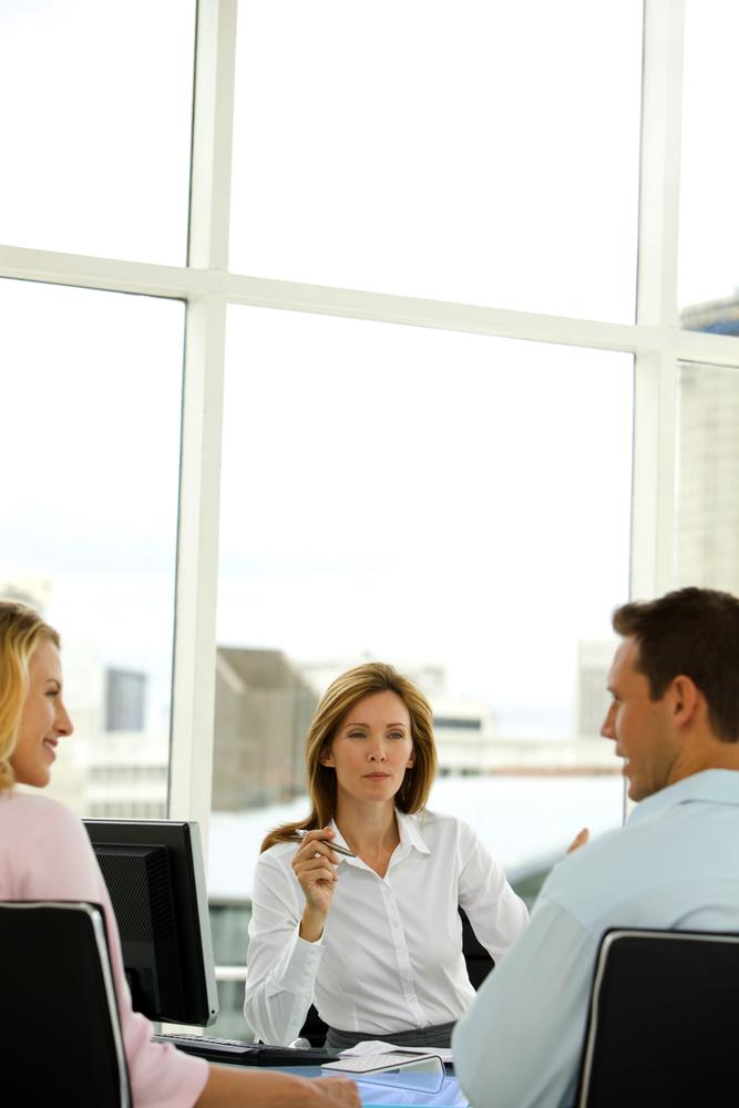 Female Advisor Alternate – shutterstock_257282653